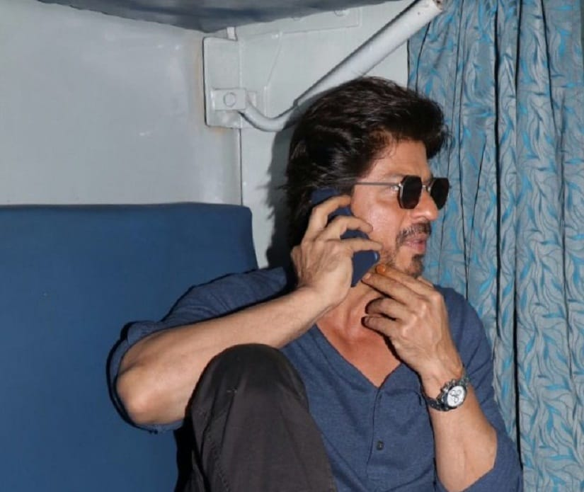 Raees by rail: Shah Rukh Khans train journey from Mumbai to Delhi, see pictures