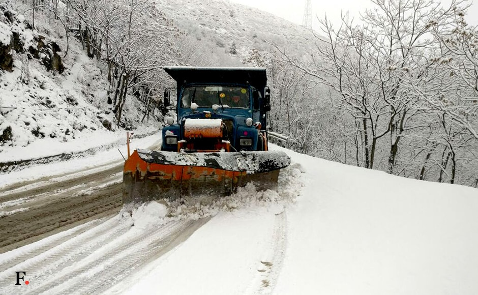 A snow clearing machine on the job on the Srinagar-Jammu national highway. The highway was closed for traffic due to bad weather. Image courtesy Hilal Shah