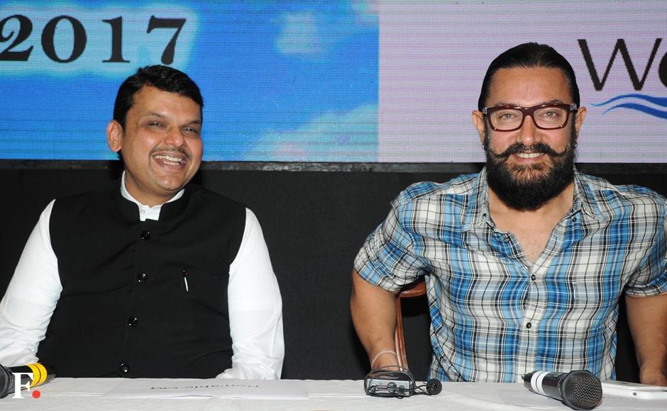 Devendra-Fadnavis-with-Aamir-Khan