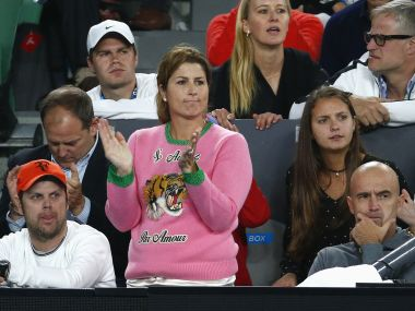 Australian Open 2017, day 11 highlights: Mrs Federers sweater, Williams divided loyalties and more