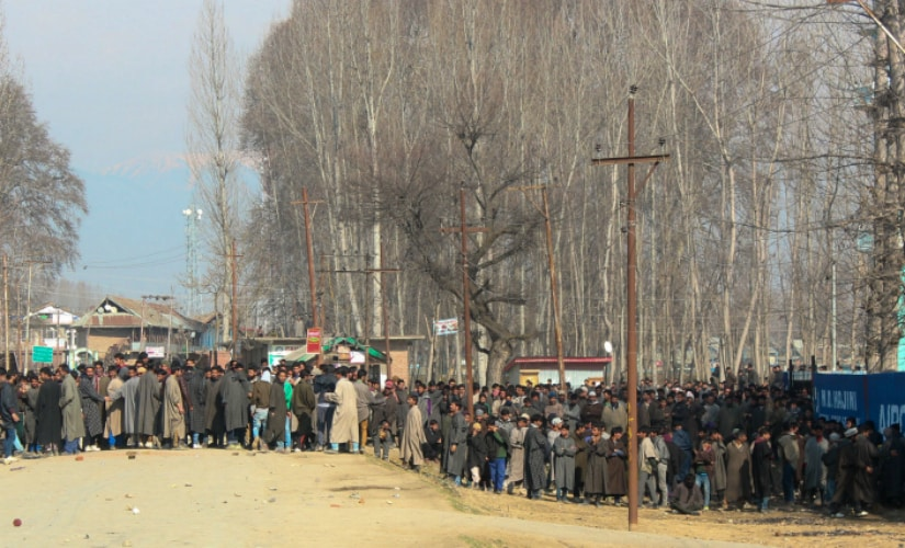Residents try to march towards the site of a gun battle between security forces and militants in North Kashmir's Hajin Town. Firstpost/Suhail Bhat