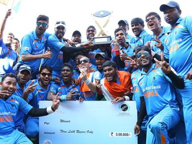 India with the Blind T20 World Cup trophy. Twitter/ @BCCI