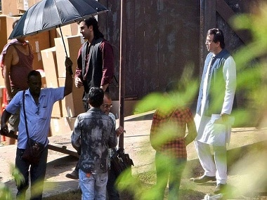 Ranbir Kapoor and Paresh Rawal on the sets of Sanjay Dutt's biopic. Twitter