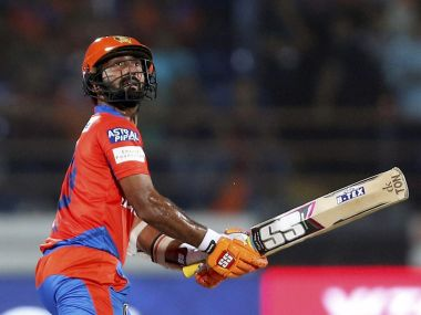 IPL 2018: Vinay Kumar hails leadership skills of new Kolkata Knight Riders captain Dinesh Karthik