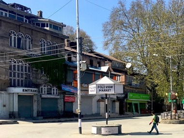 The deserted polo view road in Srinagar. Sameer Yasir/ Firstpost