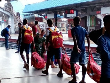 East Bengal players travel back home without reservation. Twitter: Sounav Dhawa