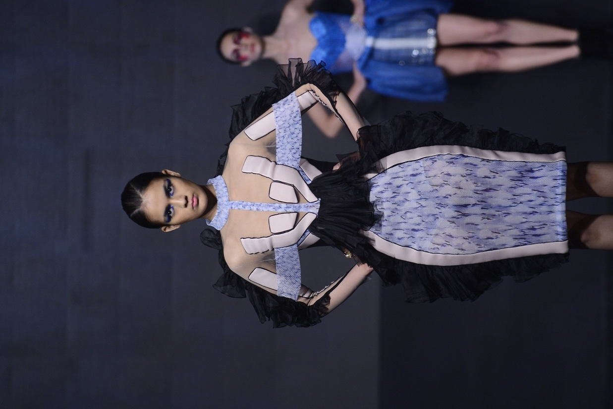 Model walking the ramp in Falguni Shane Peacock at the India Cloud Forum, 2017