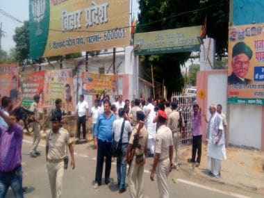 RJD workers attack BJP office in Patna
