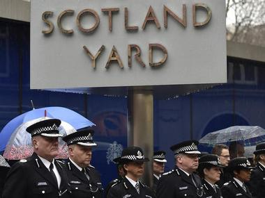 Scotland Yard to use private guards in counter-terror strategy to identify potential threats