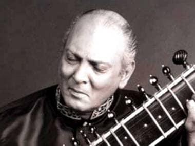 Ustad Raees Khan. YouTube