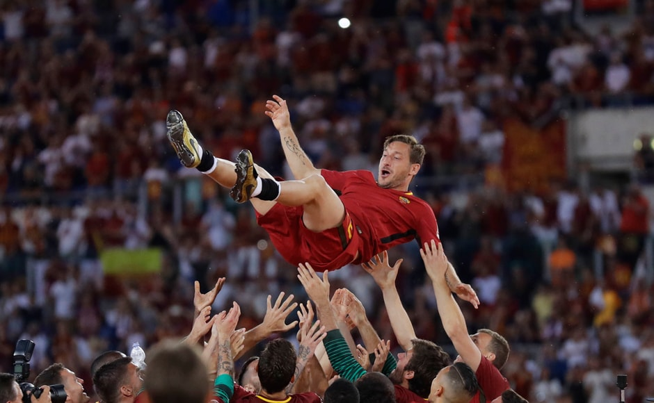 Serie A: AS Romas Francesco Totti bids adieu to glittering career with emotional final game at Stadio Olimpico