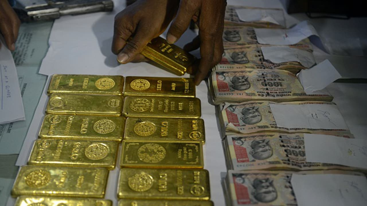 Image result for images of Cash, Diamonds, Gold Found In Bengaluru Elite Club's Lockers Seized