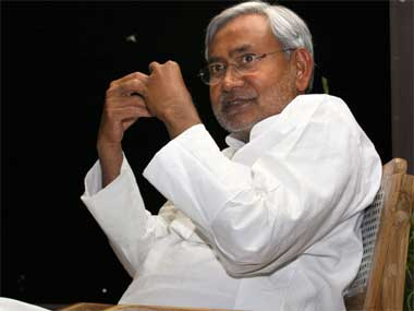 Nitish Kumar likely to meet Rahul Gandhi, attend Pranab Mukherjees farewell dinner on Saturday