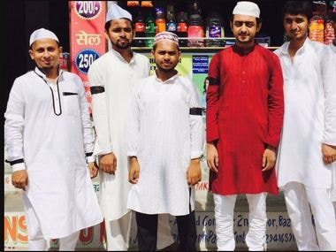 Eid-ul-Fitr celebrations were muted in India in the wake of recent mob lynching of Muslims. People tied black bands on their arms to protest against the rise in such incidents. Twitter/ @Intakhab75