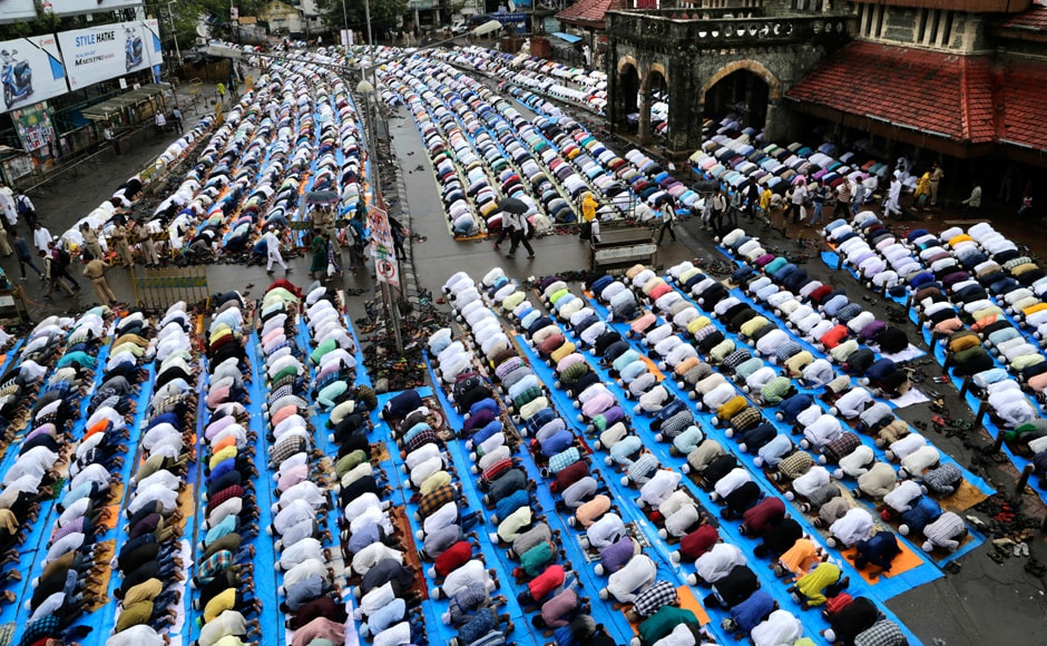 Several national and world leaders, from Justin Trudeau to Narendra Modi, wished 'Eid Mubarak' to Muslims across the world. Muslims offer their prayers in a mass session in Kolkata. AP Photo