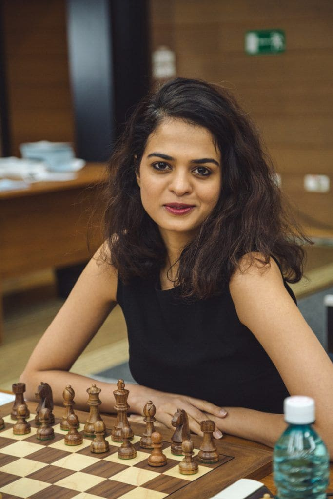 Tania Sachdev has got style, both on and off the board! (Image courtesy: FIDE)