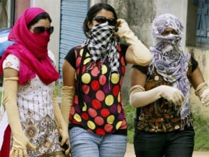 Heat Wave to prevail on Tuesday as maximum temperature touches 46 degrees Celsius in Delhi; showers expected on Wednesday