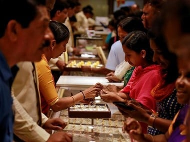 Rising prices take sheen off gold despite deep discounts; weak demand continues
