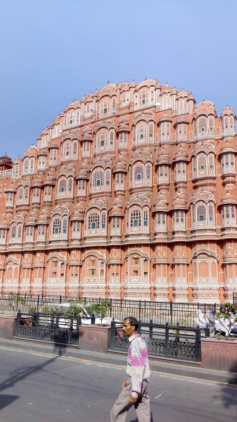 Jaipurs jharokha tourism: Cafes by Hawa Mahal, Amer Fort are social media hotspots