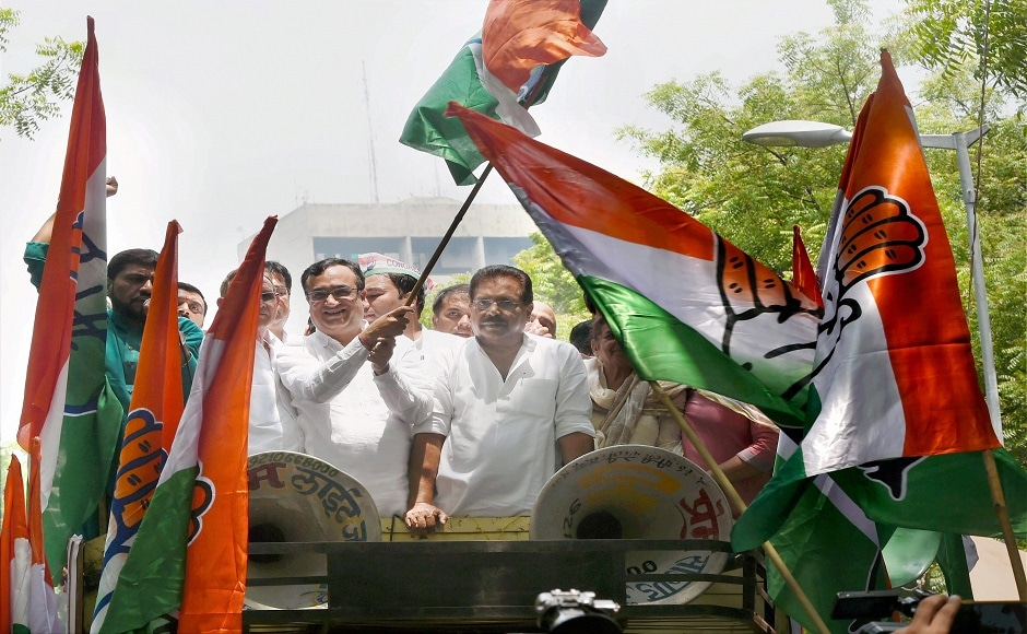 The Delhi unit of the Congress on Tuesday held a massive demonstration in capital against the implementation of Goods and Services Tax (GST) with a turnout of nearly 1000 people. PTI
