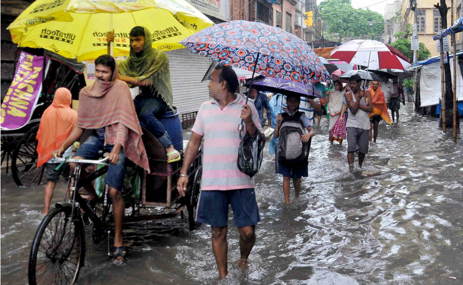Heavy rains were reported from Howrah, Hooghly, West and East Midnapur, and parts of Birbhum, Purulia and Bankura districts, besides Kolkata, IMD officials said. PTI