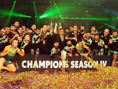 Patna Pirates players celebrate after winning the PKL Season 4 title. Image courtesy: Pro Kabaddi League