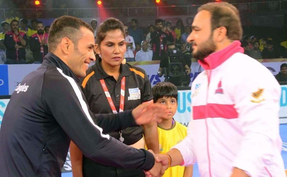 Day 2 started with former champions Jaipur Pink Panthers taking on Dabang Delhi. Image Courtesy: ww.prokabaddi.com