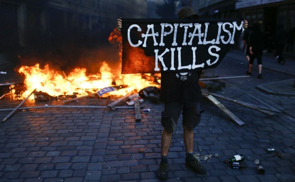 Clashes between anti-capitalist protesters and German police broke out in Hamburg on Friday as G20 Summit began. Reuters