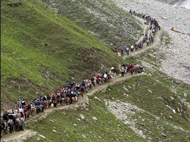 Amarnath Yatra 2017: Over 300 pilgrims leave Jammu amid tight security on 32nd day of pilgrimage