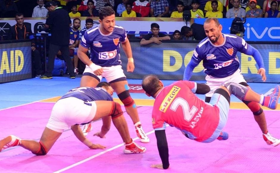 Jaipur were off to a solid start with captain Jasvir Singh's two consecutive raids that propelled the Rajasthan side to a score of 11-4. Image Courtesy: www.prokabaddi.com