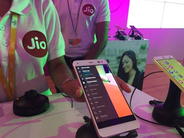 Reliance Jio to raise Rs 20,000 crore via rights issue to meet funding requirements
