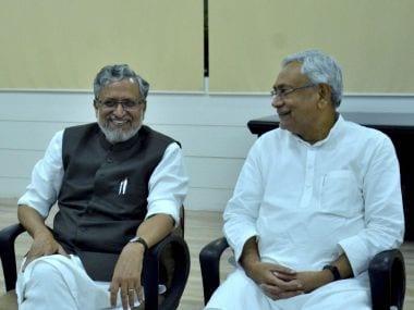 Bihar political crisis highlights: Nitish Kumar's decision to join NDA may split JD(U) as Sharad Yadav calls for meeting
