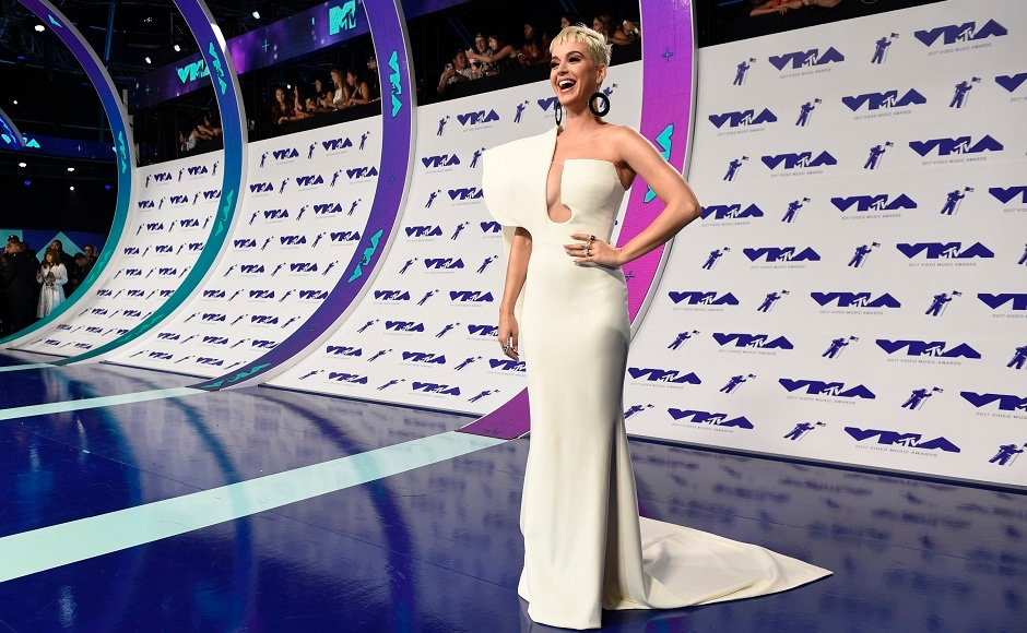 Katy Perry arrives at the MTV Video Music Awards. Photo by AP