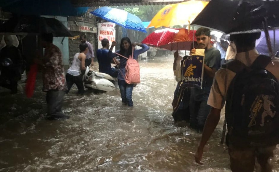 """NDRF issued a statement saying, """"In view of heavy rainfall in Mumbai Metropolitan area, 2 teams of 5 BN, NDRF have been moved from Sudumbare, Pune today at 12.45 pm as a precautionary and prepositioning measure."""