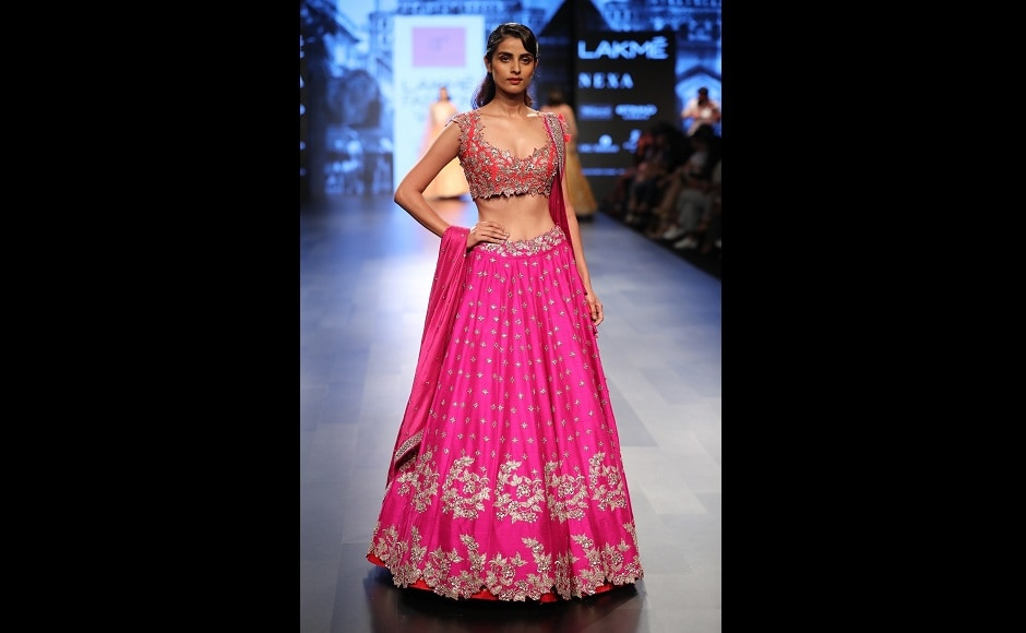 This collection was based more on the royal richness of colours and textures of the fabric, that reflects the magnificence of the Mughal era.