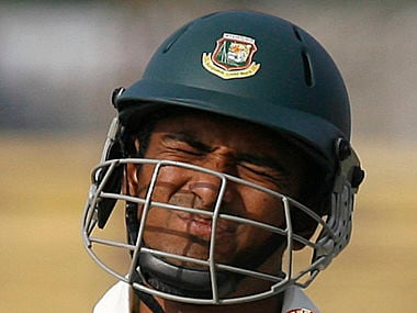 Bangladesh's Mahmudullah Riyad reacts after being dismissed during the third day of first test cricket match against India in Chittagong January 19, 2010. REUTERS/Andrew Biraj (BANGLADESH - Tags: SPORT CRICKET) - RTR2924L