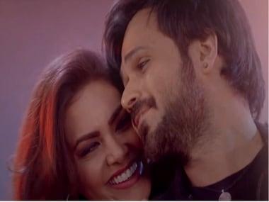 Still from Baadshaho song, 'Socha Hai' featuring Emraan Hashmi and Esha Gupta. Screen grab from YouTube.