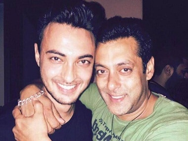 Aayush Sharma and Salman Khan. Image from Twitter.