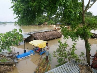 A village marooned due to floods in Bihar. Image courtesy: Ganesh Prasad