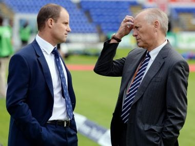 Cricket - England v Australia - Investec Ashes Test Series First Test - SWALEC Stadium, Cardiff, Wales - 8/7/15 ECB Director of Cricket Andrew Strauss speaks to chairman Colin Graves before the first Ashes test match Reuters / Philip Brown Livepic - 13850495