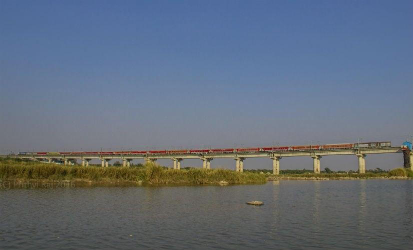 The Nizamuddin- Bengaluru Rajdhani Express at Krishna River Bridge near Vishakhapatnam. Photo credit: Prithvi Raj
