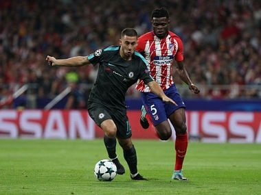 Soccer Football - Champions League - Atletico Madrid vs Chelsea - Wanda Metropolitano, Madrid, Spain - September 27, 2017 Chelsea's Eden Hazard in action with Atletico Madrid's Thomas REUTERS/Sergio Perez - RC181DDDCA80