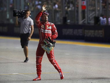 Singapore Grand Prix: Sebastian Vettel snatches pole after stunning final run; Lewis Hamilton fifth on grid