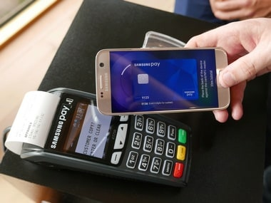 Samsung Pay being used at POS machine
