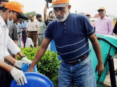 K Alphons finds no garbage to clean at India Gate, volunteers arrange some