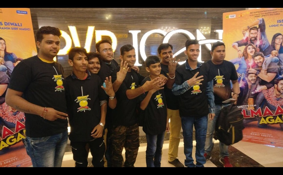 Fans were spotted in high spirits at the trailer launch of Golmaal Again in Mumbai. Image from Twitter/ Golmaal Again.
