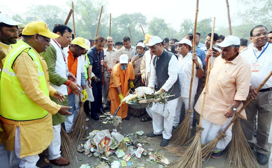 At least 500 BJP workers and social activists also took part in the mega cleanliness drive launched by chief minister around the west gate of Taj Mahal. Twitter/@CMOfficeUP