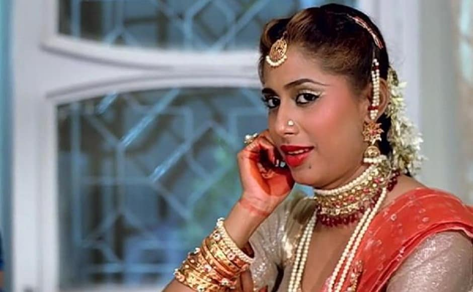 In the 1983 film, Mandi, Patil was seen along with Shabana Azmi, Naseeruddin Shah, Om Puri and others. Image via Facebook