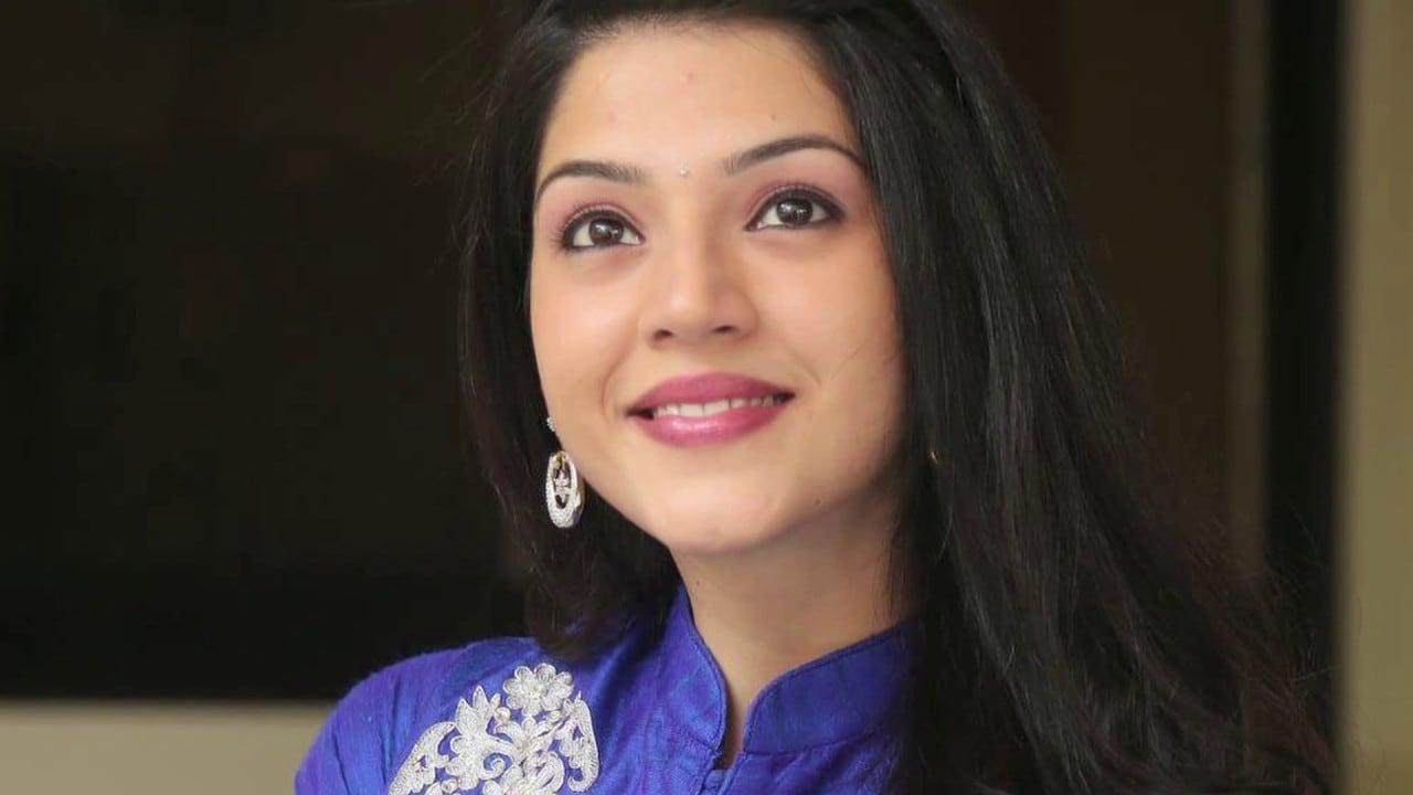 Mehreen Pirzada joins Dhanush, Sneha in Durai Senthilkumars upcoming Telugu directorial