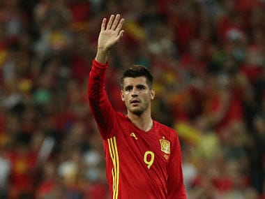 Soccer Football - 2018 World Cup Qualifications - Europe - Spain vs Italy - Madrid, Spain - September 2, 2017 Spain's Alvaro Morata gestures to fans after the game REUTERS/Sergio Perez - RC145BF10DE0
